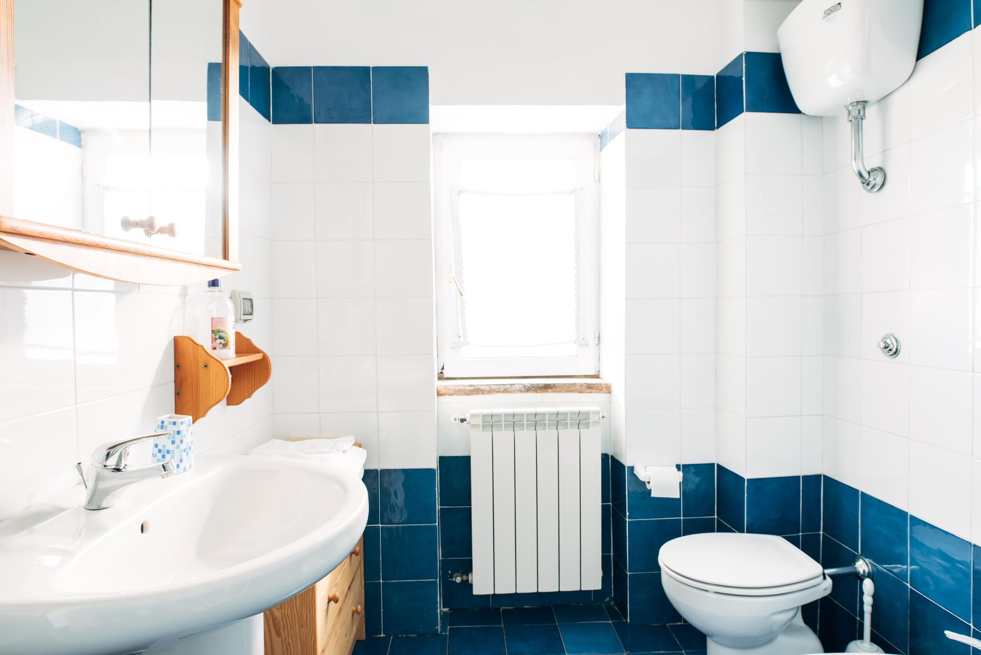 incartata camera bagno